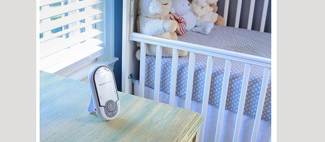Jednostavan uređaj za nadzor bebe. slika